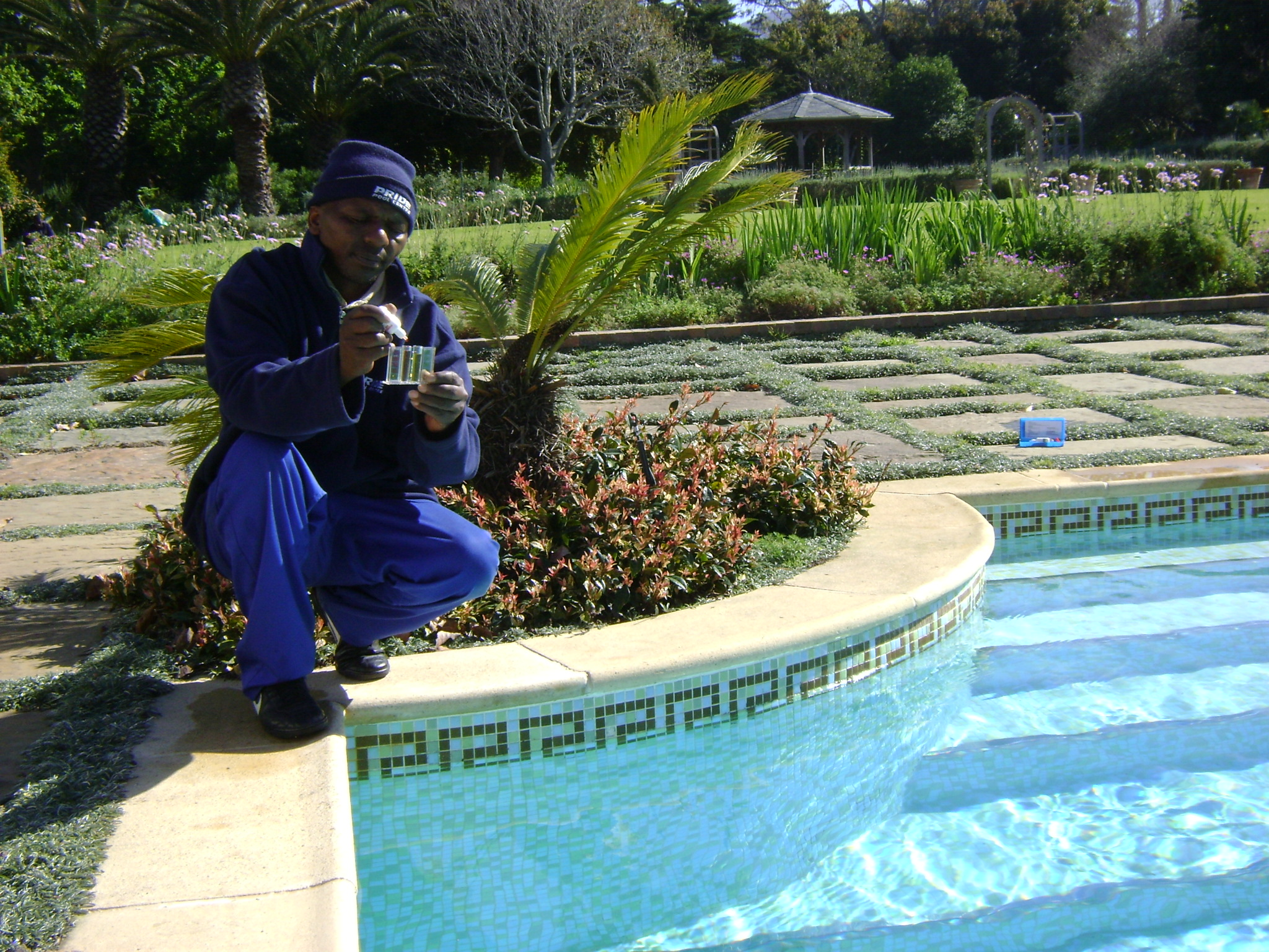 Swimming pool maintenance services for pool equipment - Swimming pool maintenance services ...